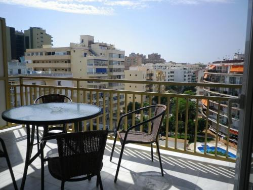 Een balkon of terras bij Apartamentos Turísticos Yamasol