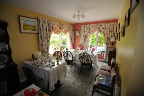A restaurant or other place to eat at Haywoods B&B