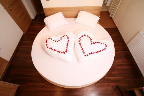 Ein Bett oder Betten in einem Zimmer der Unterkunft Hotel Bürglstein