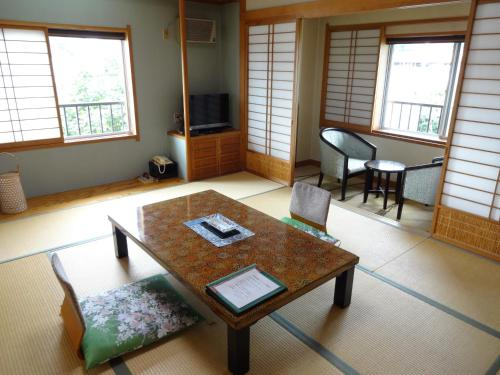 A seating area at Kanemidori