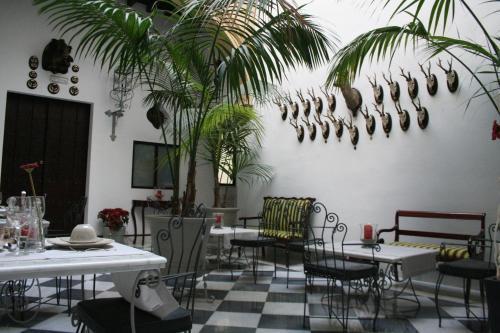 A restaurant or other place to eat at Palacio San Bartolomé