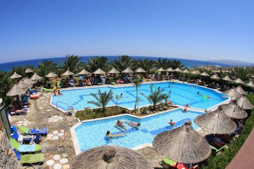 A view of the pool at Mediterraneo Hotel or nearby
