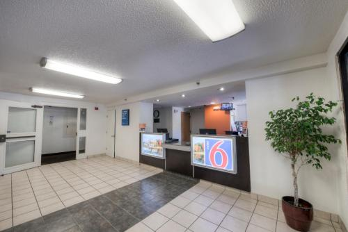 The lobby or reception area at Motel 6-Branford, CT - New Haven