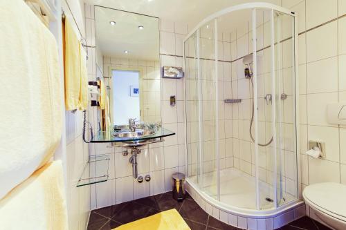 A bathroom at FidazerHof