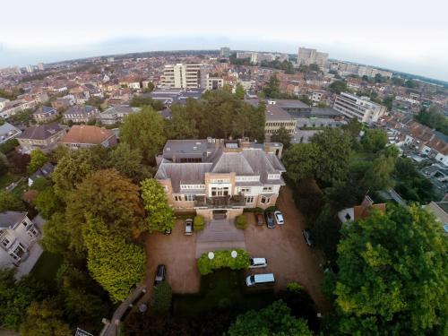 Een luchtfoto van Hotel Orion