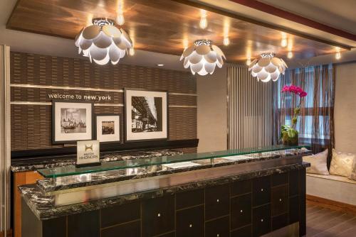 הלובי או אזור הקבלה ב-Hampton Inn Manhattan/Downtown- Financial District