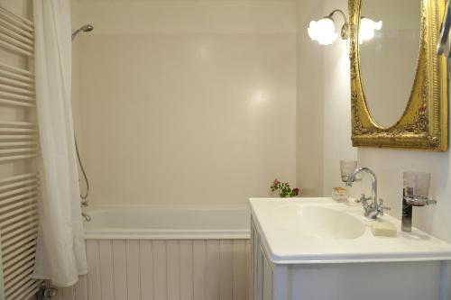 Een badkamer bij Lakeside Amsterdam Getaway