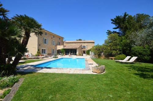 The swimming pool at or near B&B Le Mas D'Orsan