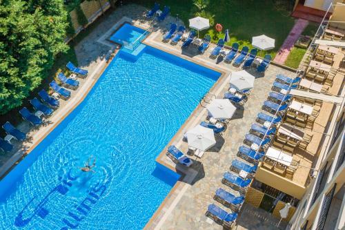 Θέα της πισίνας από το Corfu Hellinis Hotel ή από εκεί κοντά