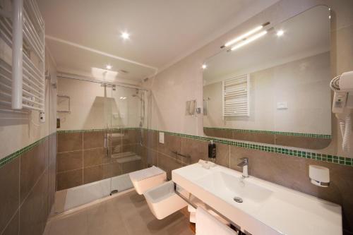 A bathroom at Hotel Aria