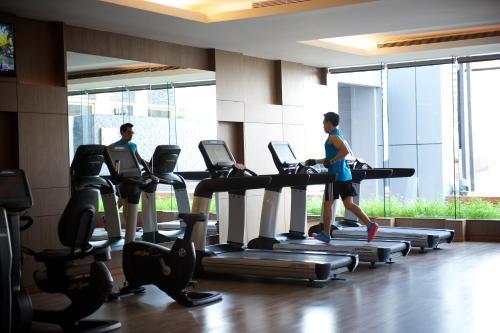 The fitness center and/or fitness facilities at Radisson Blu Plaza Bangkok