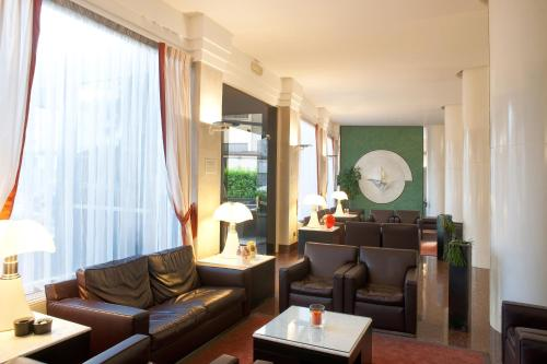 A seating area at Hotel San Pietro