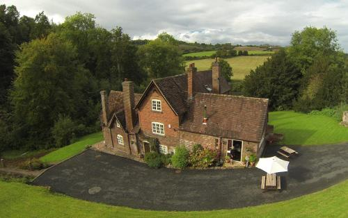 A bird's-eye view of Worralls Grove Guest Farm House