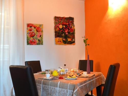 Een restaurant of ander eetgelegenheid bij B&B Piazza Vecchia
