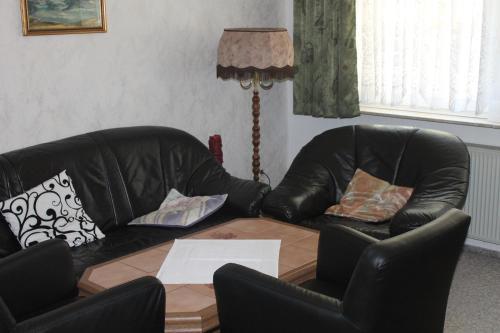 Ein Sitzbereich in der Unterkunft Weinbergschlößchen