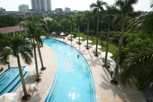 A view of the pool at Daeha Serviced Apartment or nearby