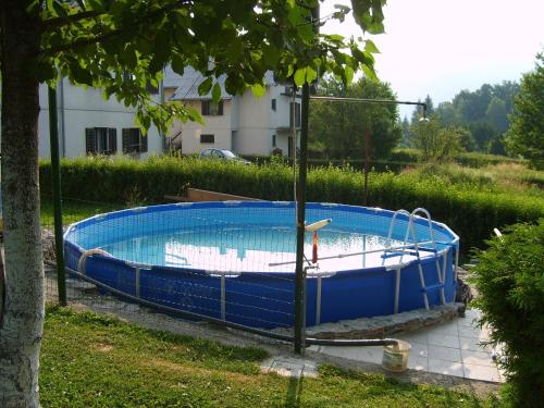 The swimming pool at or close to Guest House Raukar