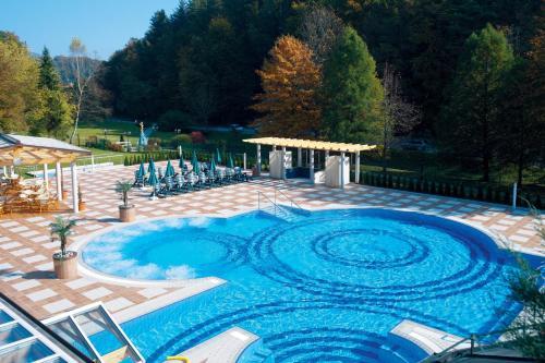 The swimming pool at or close to Hotel Smarjeta - Terme Krka