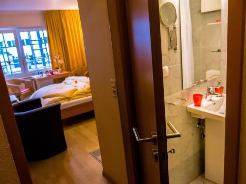 A bathroom at La Residenza Aparthotel