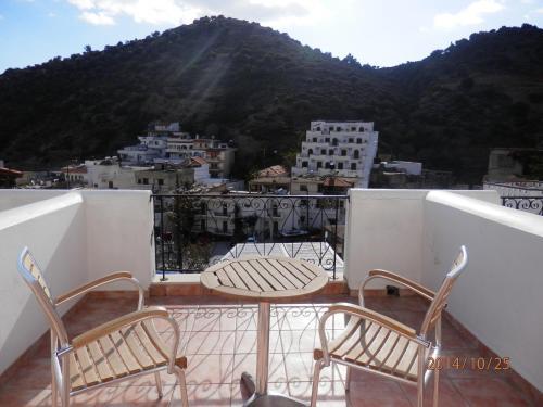 A balcony or terrace at Glaros Hotel Apartment