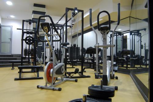 Фитнес център и/или фитнес съоражения в Хотел Луксор