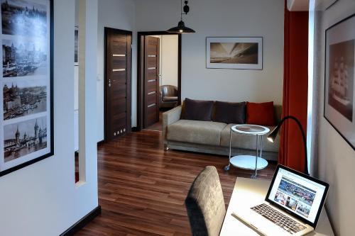 A seating area at Apartamenty Starówka - Riverside