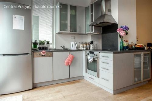 A kitchen or kitchenette at Kent Ridge Loft