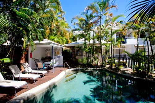 The swimming pool at or near Seascape Holidays - Tropic Sands