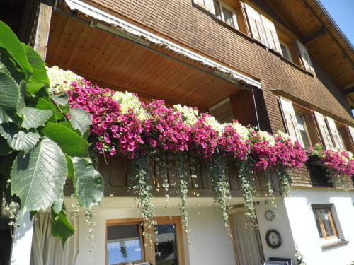 Eine Fassade oder ein Eingang zu Ferienwohnung Kaufmann