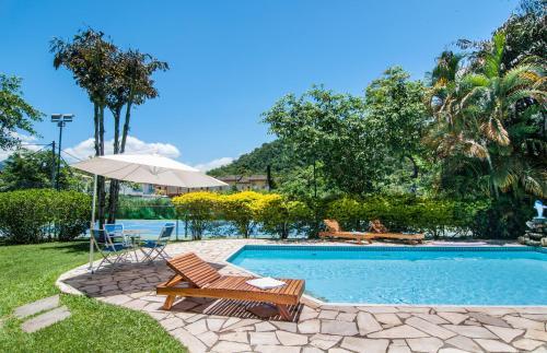 The swimming pool at or close to Pousada Brazish