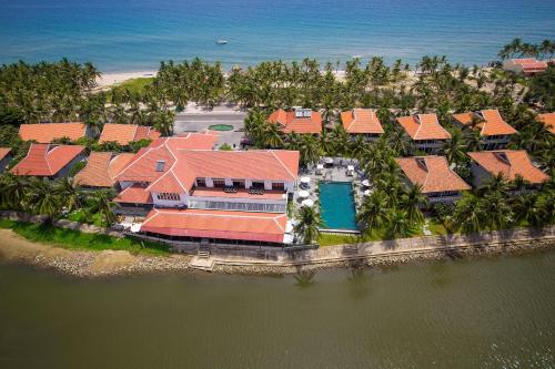 Een luchtfoto van Hoi An Beach Resort