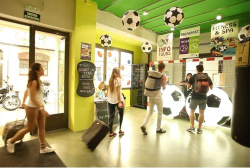 The fitness center and/or fitness facilities at BcnSportHostels