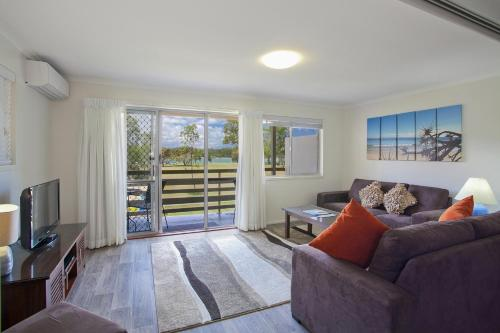 A seating area at Regency Waterfront Noosa