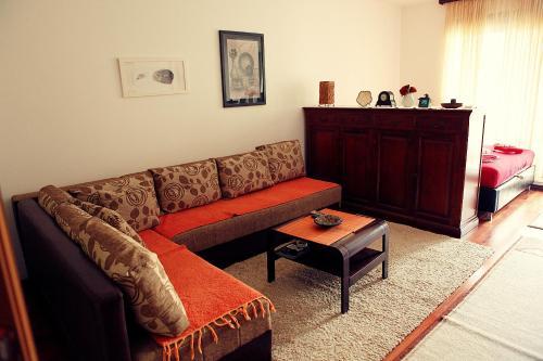A seating area at Studio Apartment Nika Anđusa