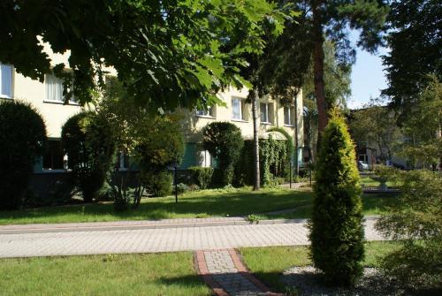 A garden outside Pensjonat Iskra