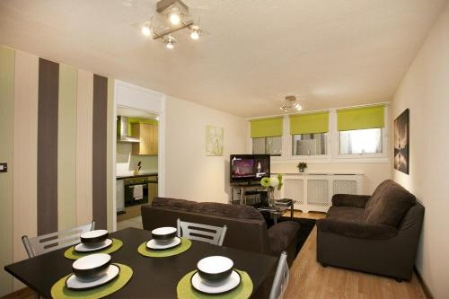 Victoria Centre Apartments in the Shopping Centre - Nottingham City Centre -