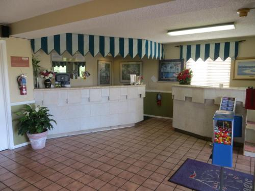 The lobby or reception area at Magic Castle Inn & Suites Motel