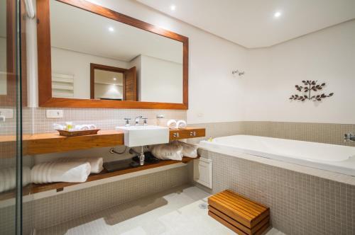 Um banheiro em L.A.H. Hostellerie