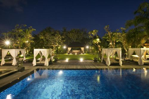 The swimming pool at or near Revayah Ayung Villa Denpasar