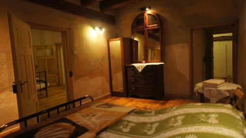 Łóżko lub łóżka w pokoju w obiekcie Piotrowice Nyskie Palace