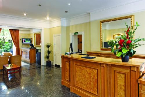 The lobby or reception area at Grange Clarendon Hotel