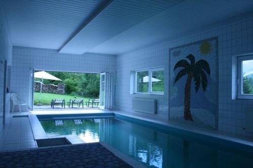 Der Swimmingpool an oder in der Nähe von Haus Rottenstein