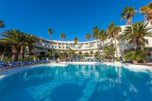 Het zwembad bij of vlak bij Sol Lanzarote