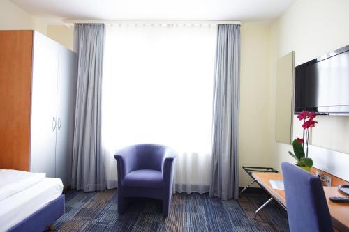 A seating area at Senator Hotel