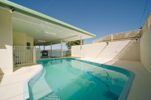The swimming pool at or near Picturesque on Passage - Shute Harbour