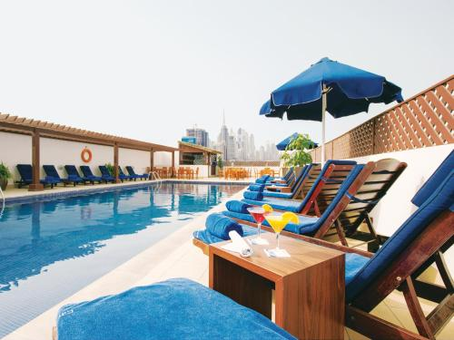 The swimming pool at or close to Citymax Hotel Bur Dubai