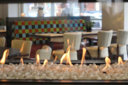 Ein Restaurant oder anderes Speiselokal in der Unterkunft Hotel La Terrasse