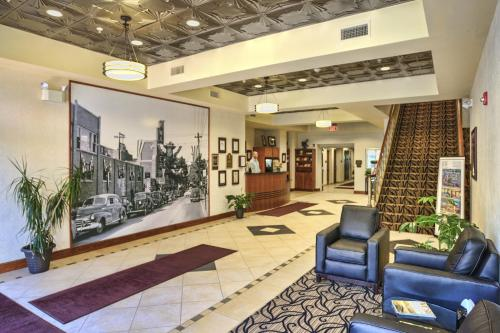 The fitness center and/or fitness facilities at The Hotel Warner