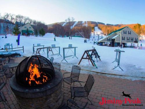 Jiminy Peak Mountain Resort during the winter