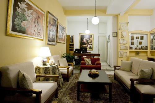 Χώρος καθιστικού στο Ξενοδοχείο Κούρος